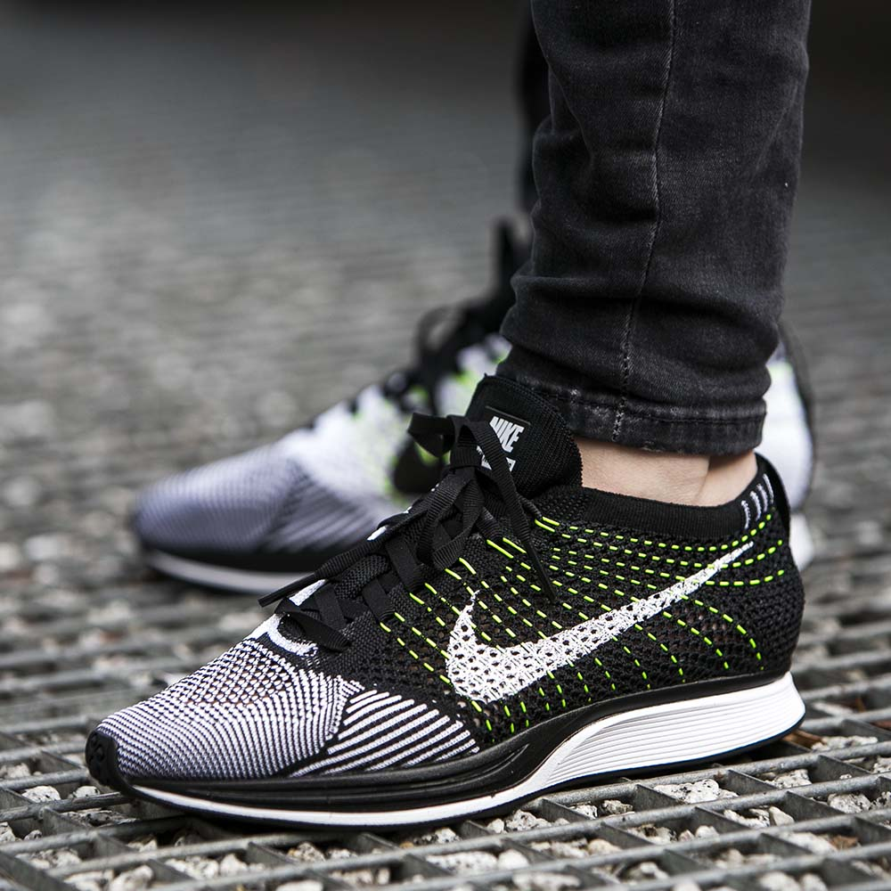 6007e72cfe5f0 Close up look at the Nike Flyknit Racer Black White – Fastsole