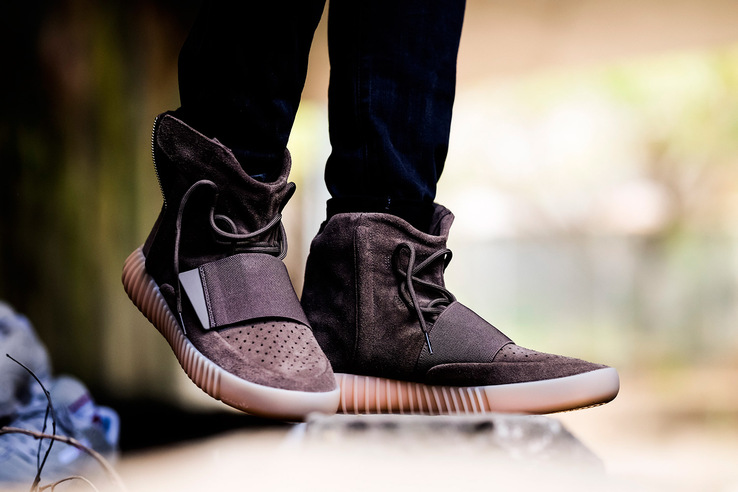 b1023c977 On foot look at the Yeezy Boost 750 Light Brown – Fastsole