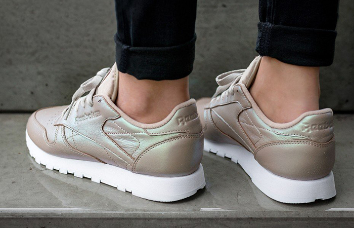 902f2e78ad81d ... Reebok Classic Leather Pearlized Gold BD4309 8 ...