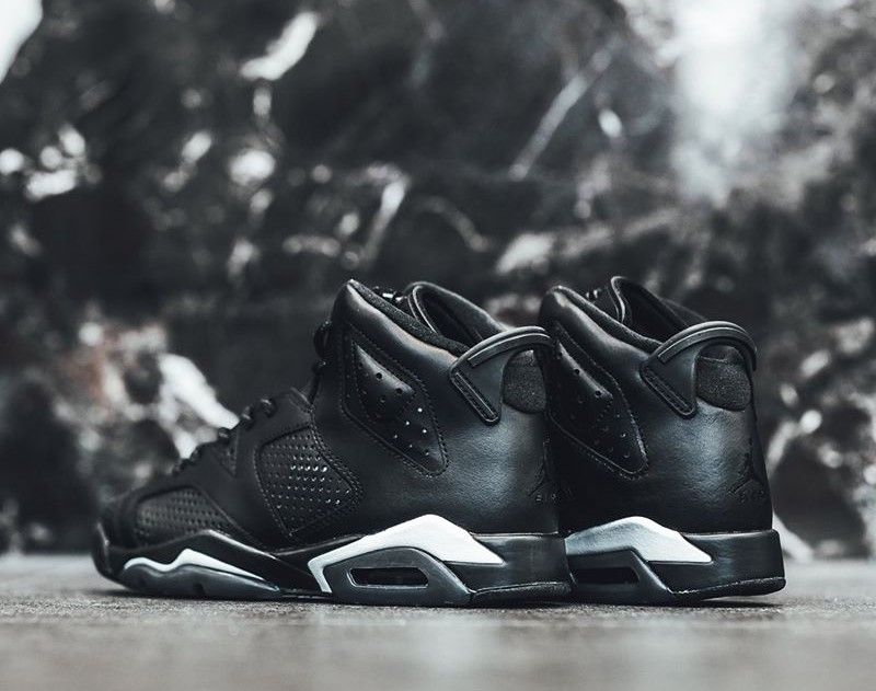b8050b8db01516 Nike Air Jordan 6 Black Cat releasing before New Year – Fastsole