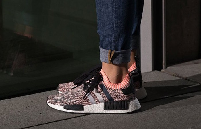 Кро��овки adidas Originals NMD R1 Primeknit Tri Color Black BB2887