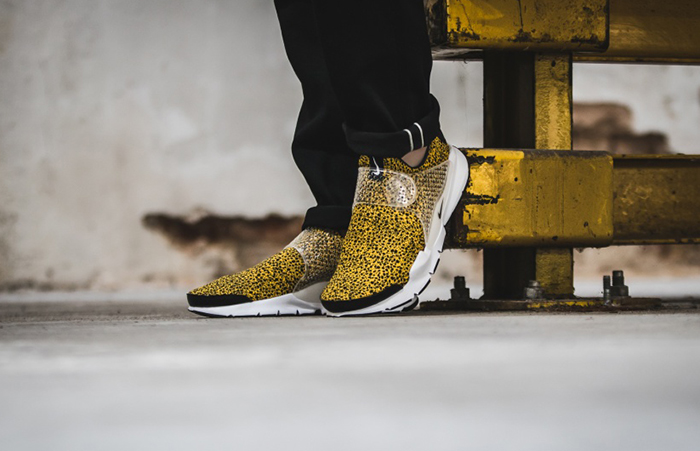 447f01e4 Nike Sock Dart Safari Gold 942198-700 d ...