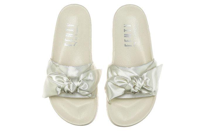 wholesale dealer c1608 52726 Rihanna x PUMA Fenty Bow Slide White 365774-02