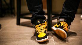 Air Jordan 1 Mid New Love 554724-035 Buy New Sneakers Trainers FOR Man Women in UK Europe EU 01