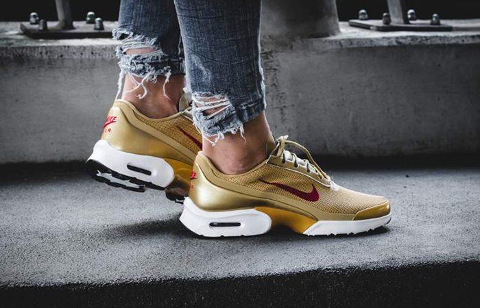Nike Air Max Jewell Metallic Gold |