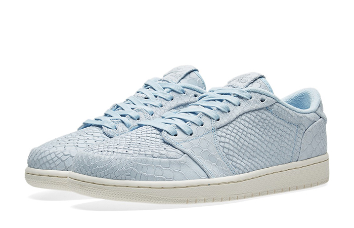 Air Jordan 1 Low No Swoosh Ice Blue 872782-441 e
