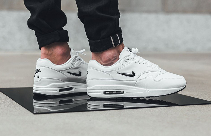 air max 1 jewel black white