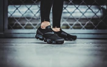 Nike Air VaporMax Strap in Black