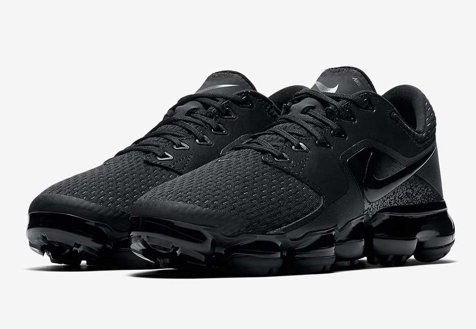 af3df8f406 Nike Air VaporMax Triple Black CS 917963-002 First Look – Fastsole