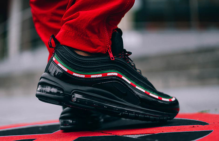 Undefeated x Nike Air Max 97 OG Black 05