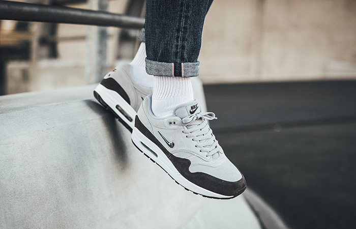 Nike Air Max 1 Jewel Grey 918354 004