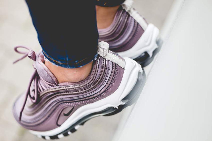 Nike Air Max 97 Taupe Grey On Foot – Fastsole