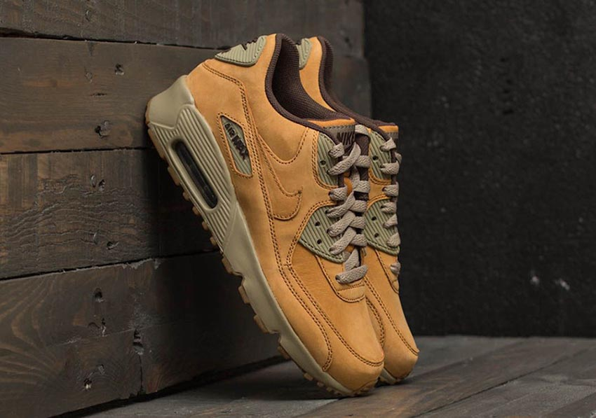Nike Air Max 90 Winter Pack 2017 Live at FootShop Buy New Sneakers Trainers FOR Man Women in United Kingdom UK Europe EU Germany DE Sneaker Release Date 010