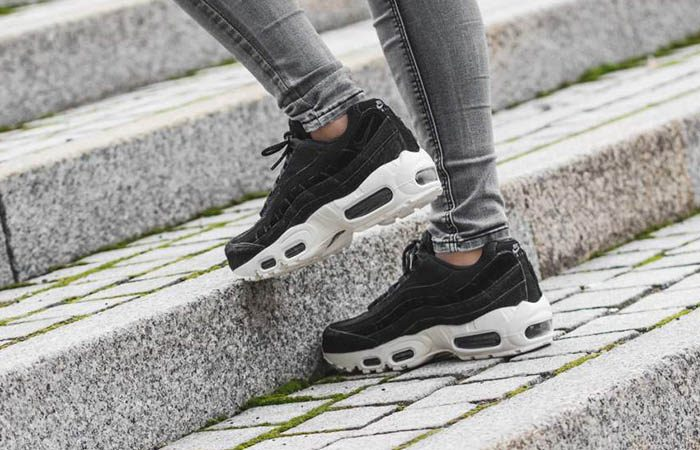 Wmns Nike Air Max 95 LX Black White AA1103 001