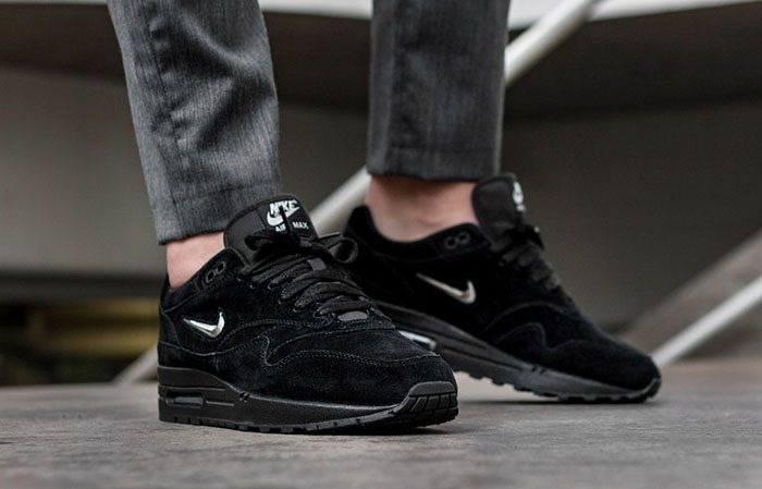 air max 1 black suede jewel