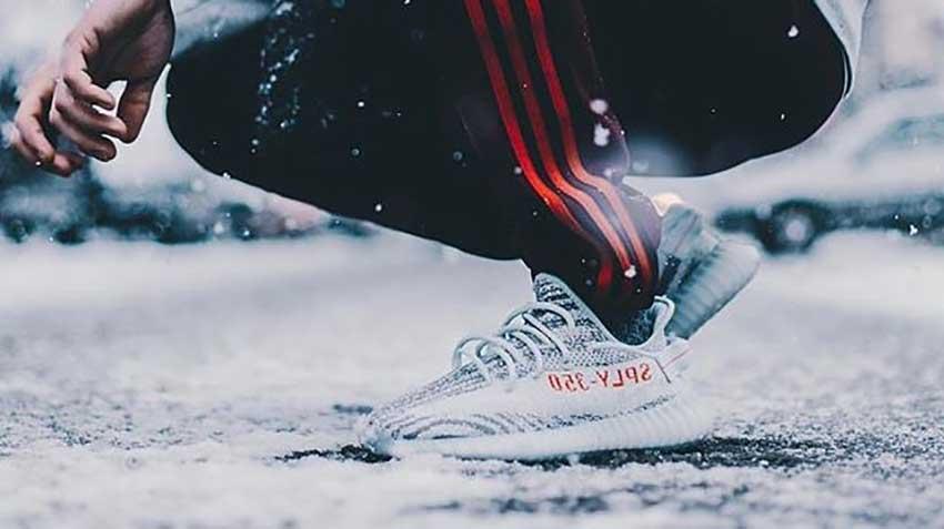 Impedir Último hospital  adidas Yeezy Boost 350 V2 Blue Tint Raffle List – Fastsole