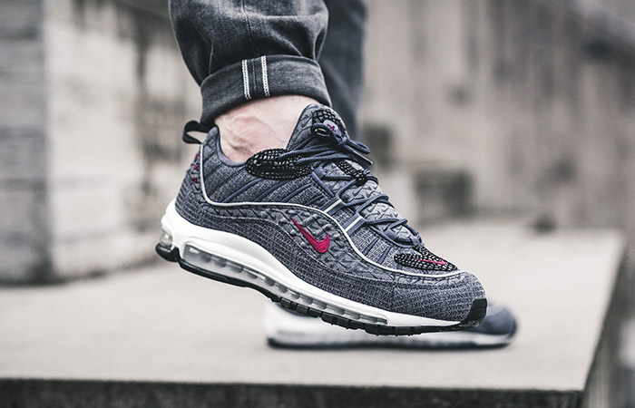 detailed pictures a1bb6 946ea Nike Air Max 98 Thunder Blue 924462-400