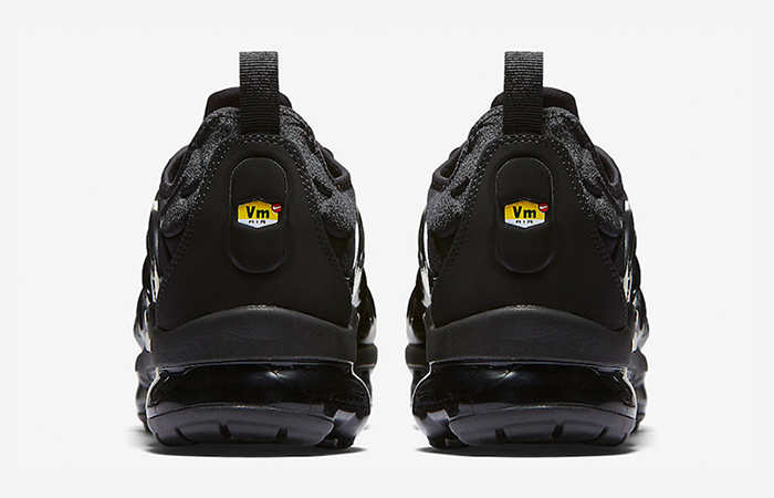 Nike Air VaporMax Plus Black 924453-004 Buy New Sneakers Trainers FOR Man Women in United Kingdom UK Europe EU Germany DE 03
