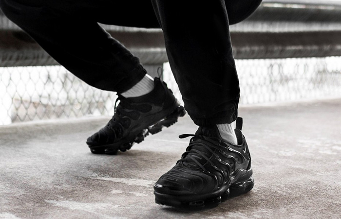 Nike Air VaporMax Plus Black 924453-004 Buy New Sneakers Trainers FOR Man Women in United Kingdom UK Europe EU Germany DE 06