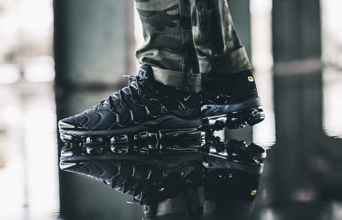 Nike Air VaporMax Plus Black 924453-004 Buy New Sneakers Trainers FOR Man Women in United Kingdom UK Europe EU Germany DE 07