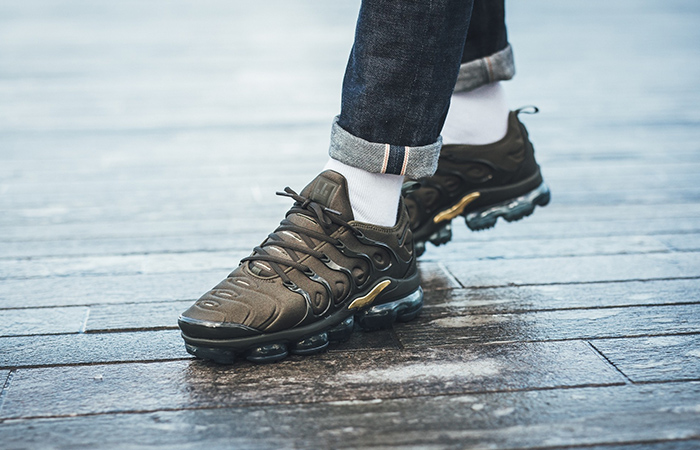 https://fastsole.co.uk/wp-content/uploads/2018/01/Nike-Air-VaporMax-Plus-Cargo-Khaki-Womens-924453-300-Buy-New-Sneakers-Trainers-FOR-Man-Women-in-United-Kingdom-UK-Europe-EU-Germany-DE-03.jpg