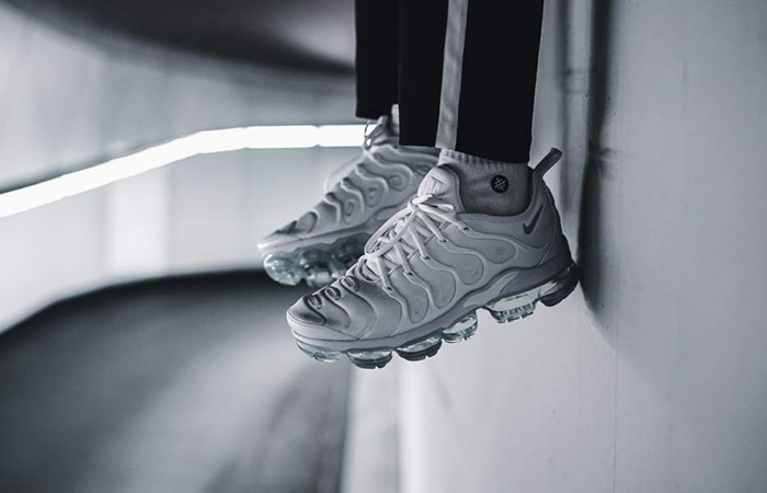 new styles 403e6 2fe3d Nike Air VaporMax Plus Triple White 924453-100