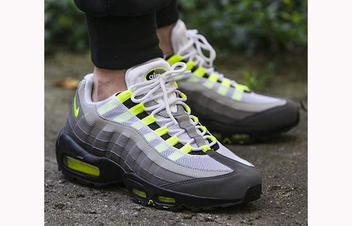 new products 1585b 9bbe3 ... Nike Air Max 95 OG Neon 554970-071 06 ...