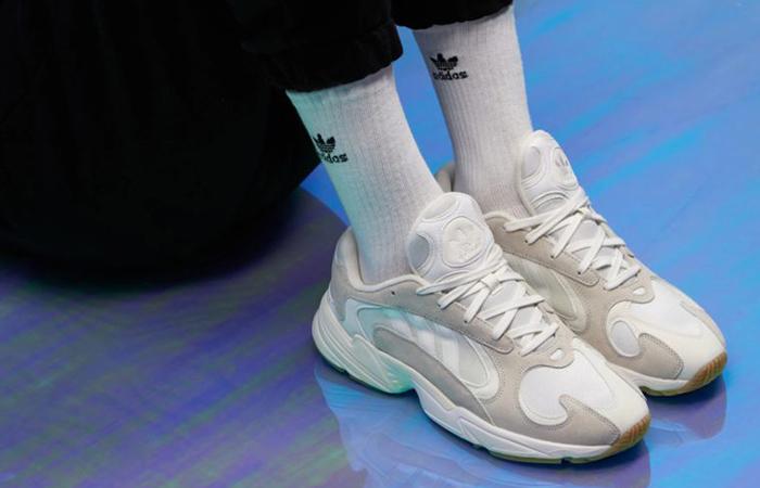 meet 199ee 9b27d ... adidas Yung 1 White B37616 09 ...