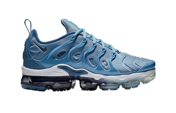 First Look At The Nike Air VaporMax Plus Work Blue ft