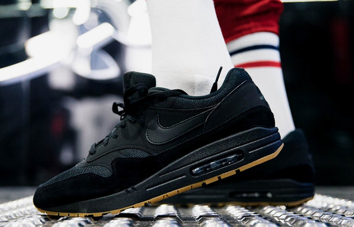 air max 1 black gum on feet