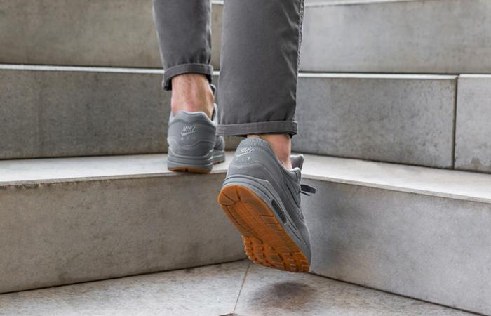 separation shoes e1d61 29e85 ... Nike Air Max 1 Wolf Grey Gum AH8145-005 09 ...