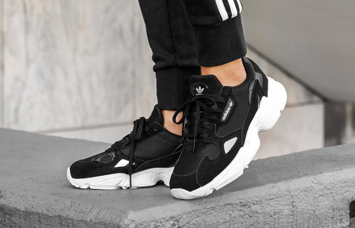 https://fastsole.co.uk/wp-content/uploads/2018/08/adidas-Falcon-B28129.jpg