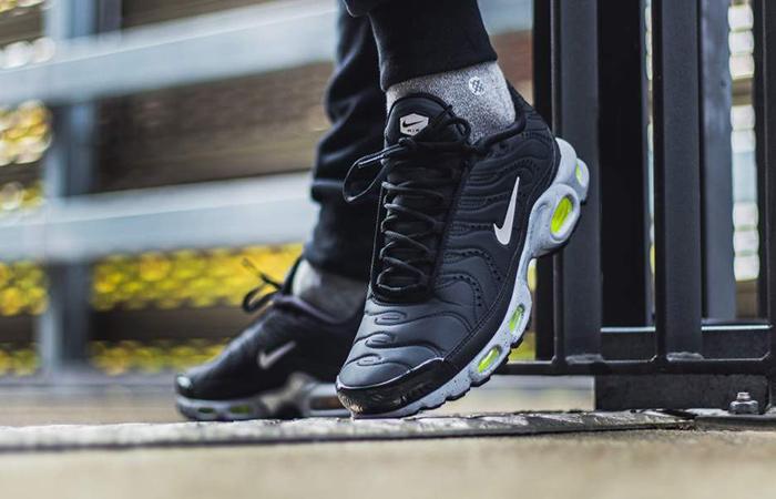 f568f6c49a Nike Air Max Plus Premium Black Matte 815994-003 – Fastsole
