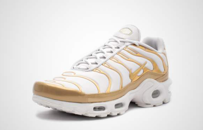 check out e4859 432aa Nike Air Max Plus Gold White Womens 605112-054
