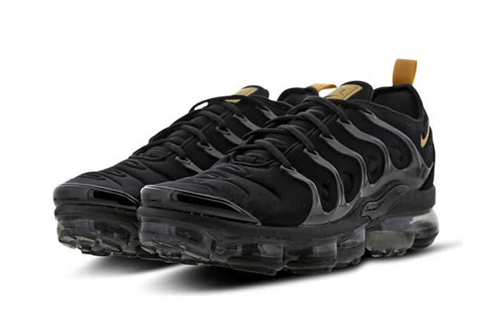 new products 55c9a 9a8d1 Nike Air VaporMax Plus Black Gold Footlocker Exclusive BQ5068-001