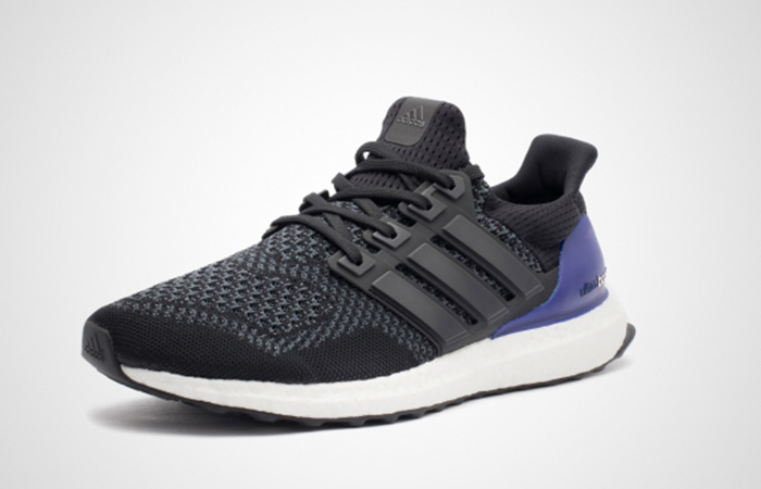 reputable site d1857 2a5ff adidas UltraBoost Black Gold Met G28319