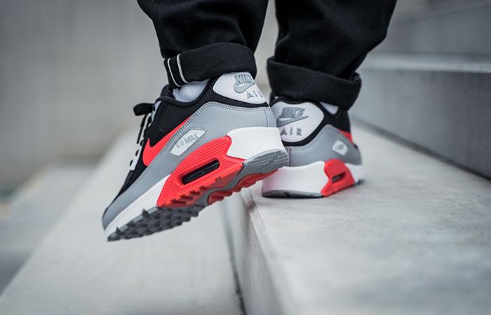 Nike Air Max 90 Infrared AJ1285-012