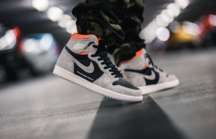 Air Jordan 1 Neutral Grey 555088-018 02