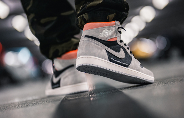 Air Jordan 1 Neutral Grey 555088-018 03
