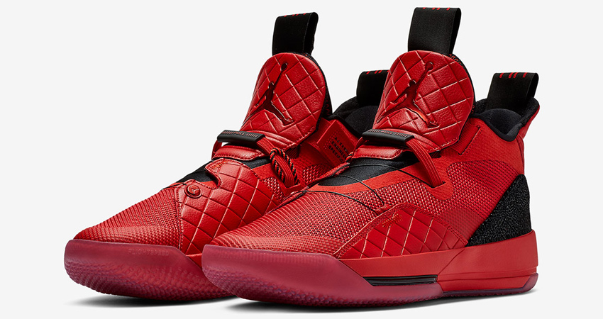 Nike Air Jordan 33 in All Red 03