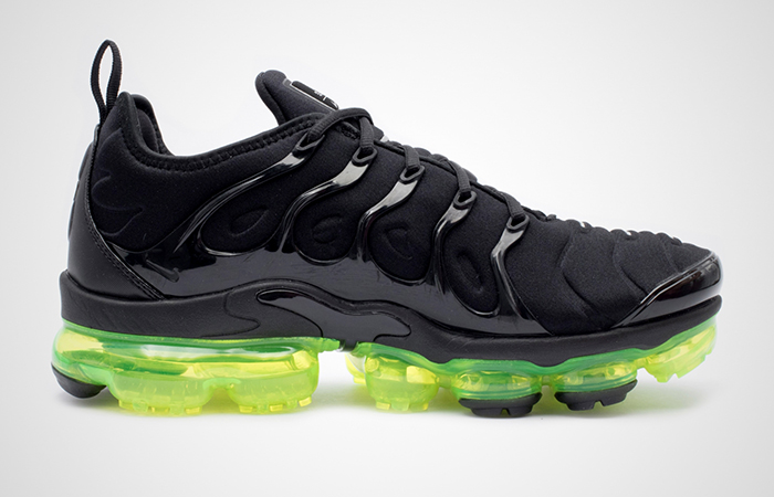 Nike Air VaporMax Plus Back Volt 924453-015