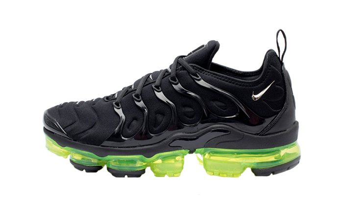 big sale ae119 29956 Nike Air VaporMax Plus Black Volt 924453-015 01 ...