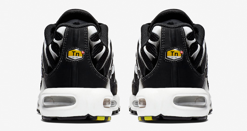 Nike Air Max Plus Black Reflecting Silver Releasing Soon 03