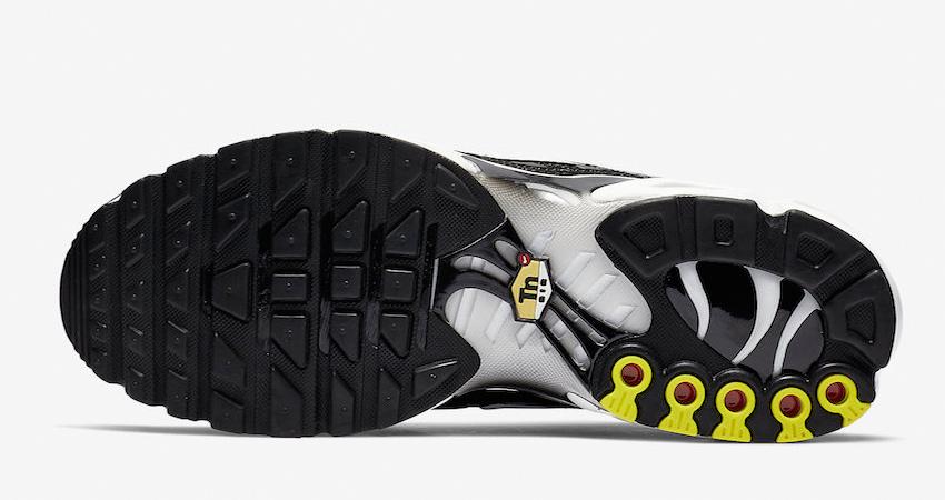 Nike Air Max Plus Black Reflecting Silver Releasing Soon 04