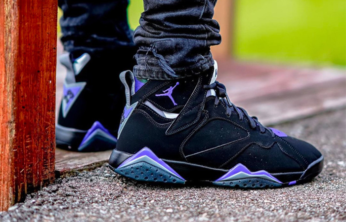 Air Jordan 7 Ray Allen 304775-053 on foot 05