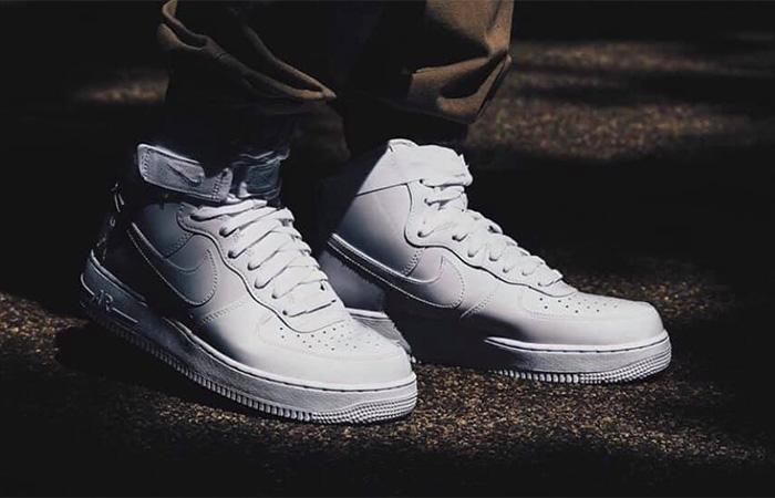 Nike Air Force 1 High Retro QS 743546-107 on foot 01