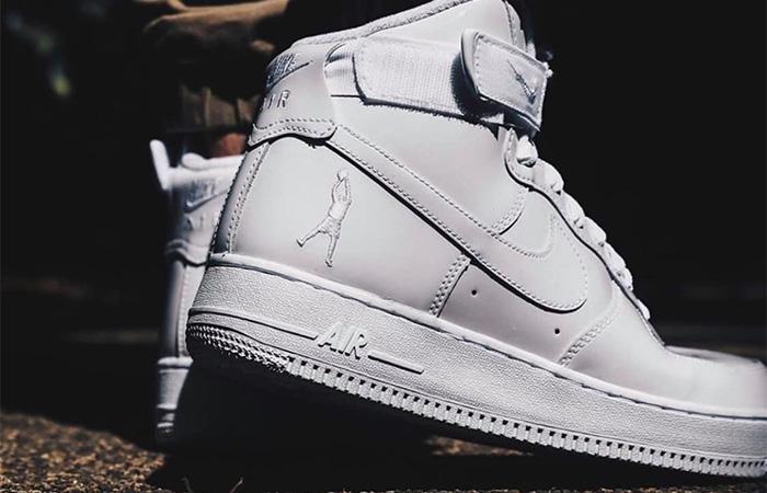 Nike Air Force 1 High Retro QS 743546-107 on foot 03