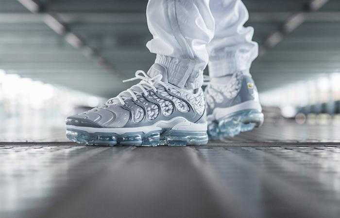 Nike Air VaporMax Plus Metallic Silver 924453-106 03