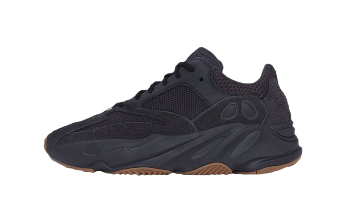Yeezy Boost 700 Utility Black 01