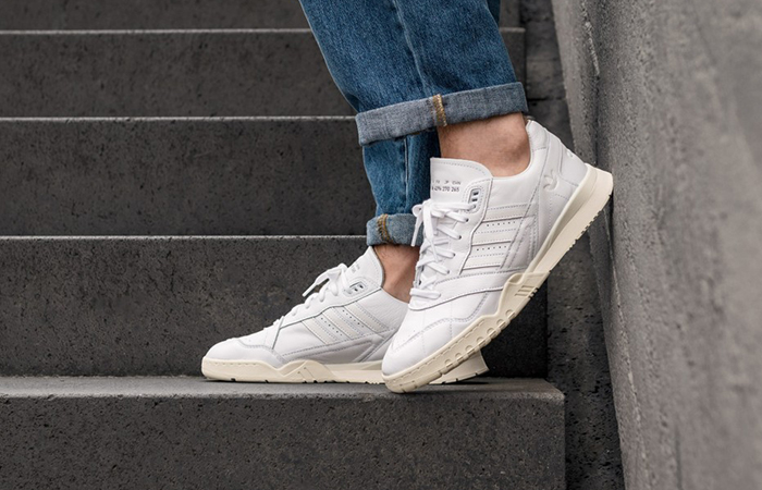 adidas A.R Trainers Home Of Classics White EE6331
